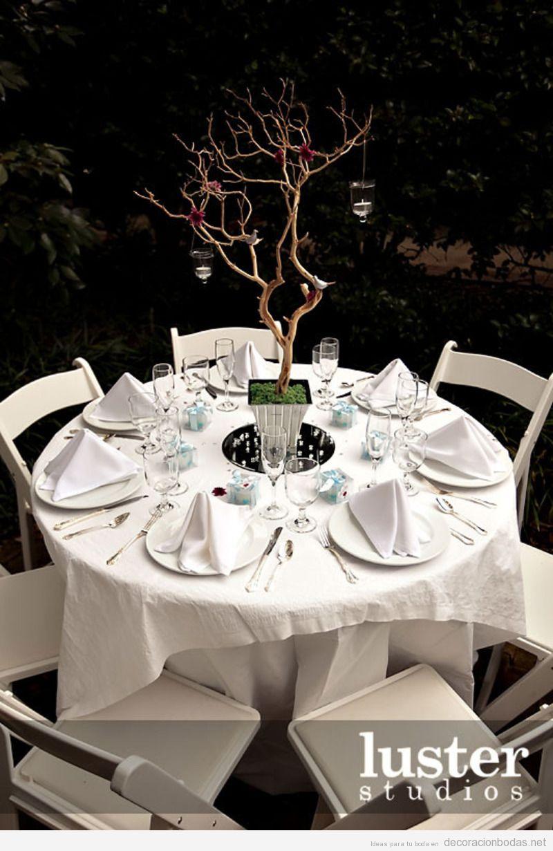Decoración de mesa de invitados, boda en jardín