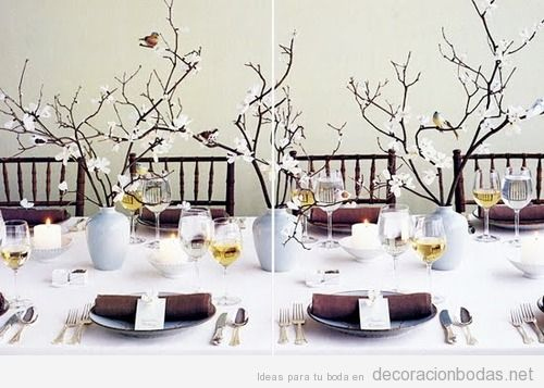 Centro de mesa con ramas de cerezo y p jaros decoraci n for Ramas blancas decoracion