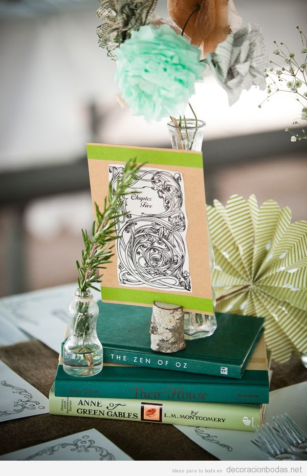 Decoraci n sillas boda jard n decoraci n bodas - Mesa de libro para salon ...