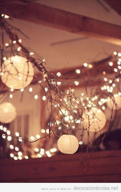 Ideas para iluminar un salón de bodas con luces, globos de papel