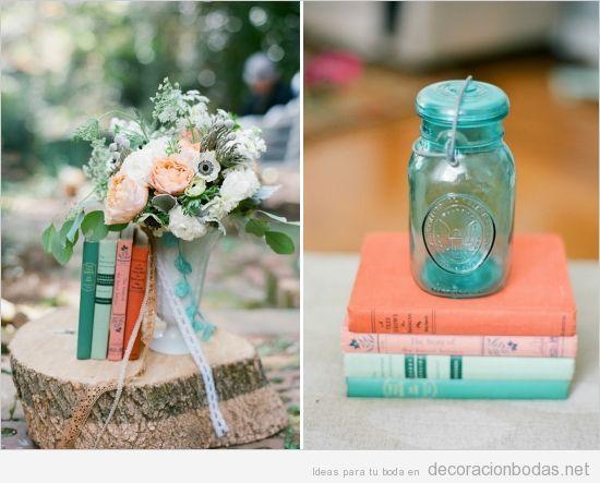 Ideas para decorar una boda vintage y barata, libros y botes de cristal