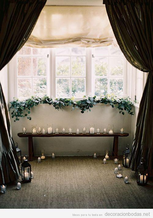 Ideas para decorar boda íntima en casa, altar en la ventana con velas