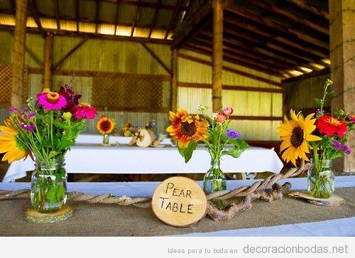 Ideas para decorar una boda en un granero o granja con girasoles