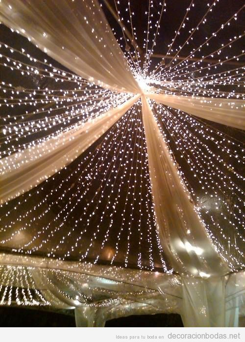 Carpa con luces para decorar boda en exterior