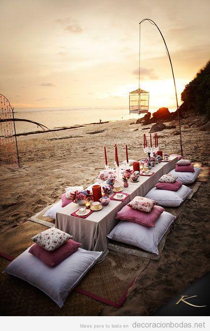 Boda con banquete chill out en la playa