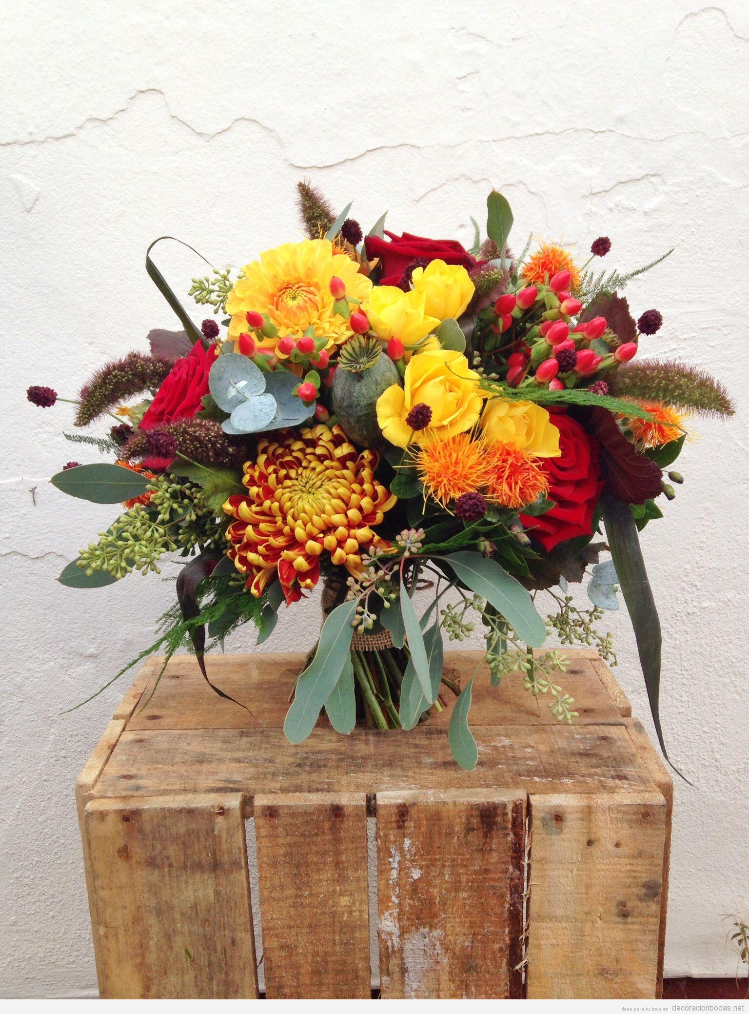 Decorar centro de mesa de boda con flores colores otoñales 4