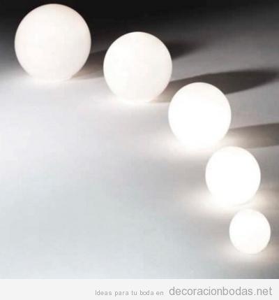 Ideas iluminar boda exterior con lámparas de pie 2
