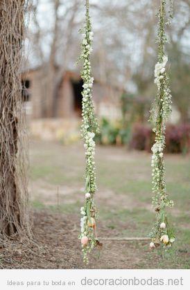 Un columpio de madera y flores para tu boda en el jard n decoraci n bodas - Columpio madera jardin ...