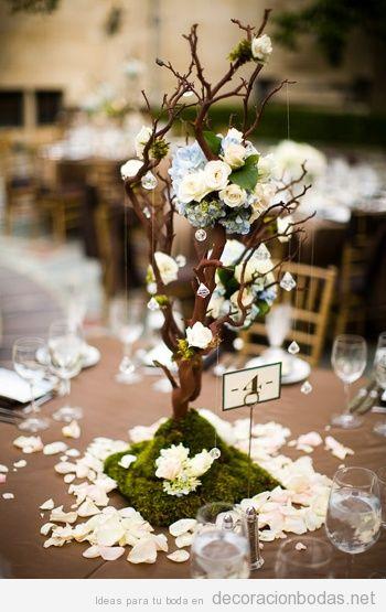 Centro de mesa con un mini rbol florecido decoraci n bodas for Arboles altos para jardin