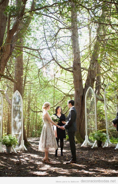Una boda íntima en el bosque, decoración minimal y preciosa