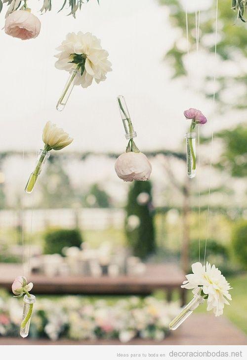 ideas para decorar una boda flores colgando en el aire