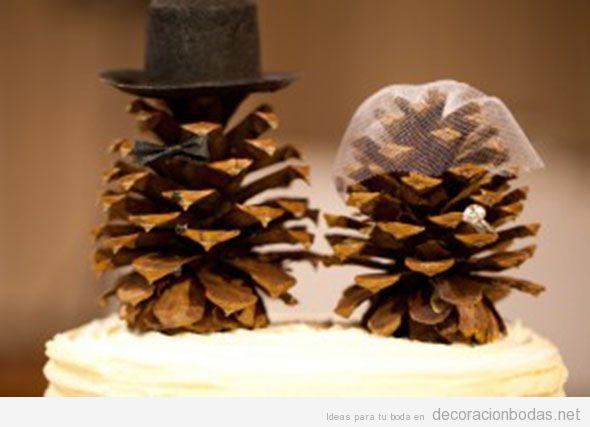 Una piña con sombrero de copa y otra con velo, detalles originales para bodas