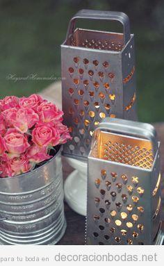 Rallador de queso como portavelas, idea original para decorar una mesa de boda