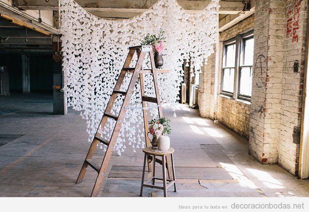 Cortina hecha con pompones de papel encerado, decoración DIY