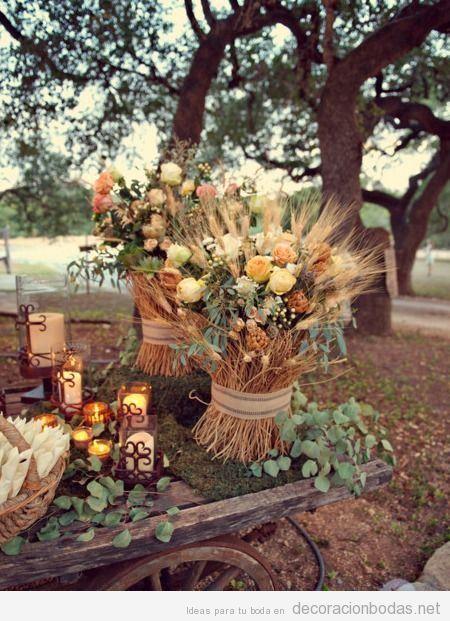 Detalles decoración boda otoño en el exterior