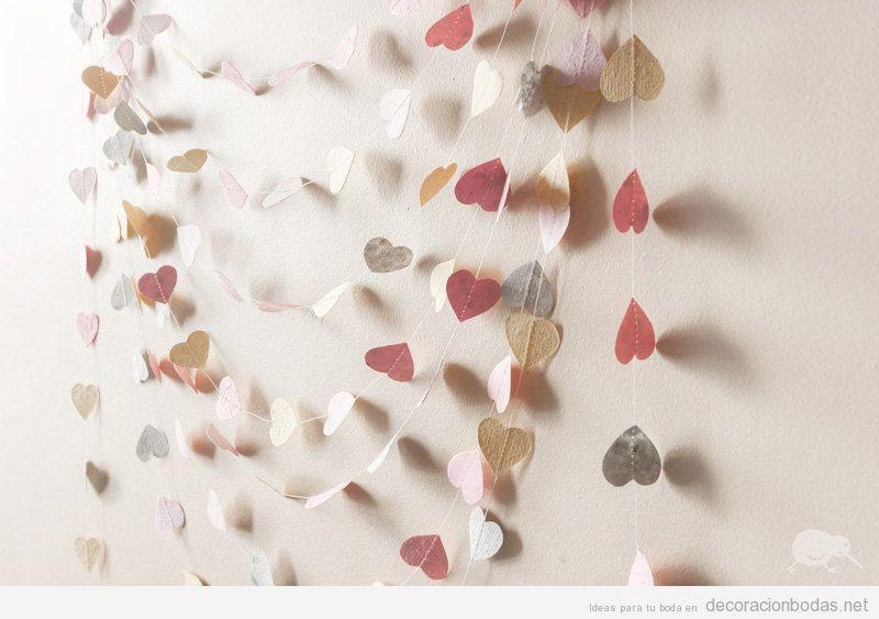Guirnalda corazones papel DIY decorar boda 2