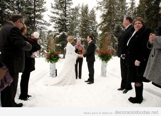 Ceremonia de boda en medio de la nieve