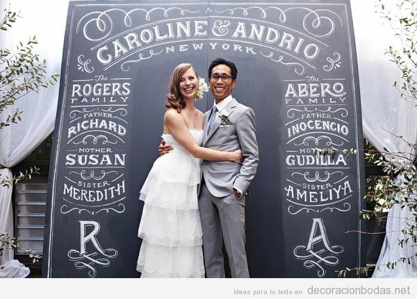 Mensajes escritos a mano con tiza en pizarras para decorar bodas 6