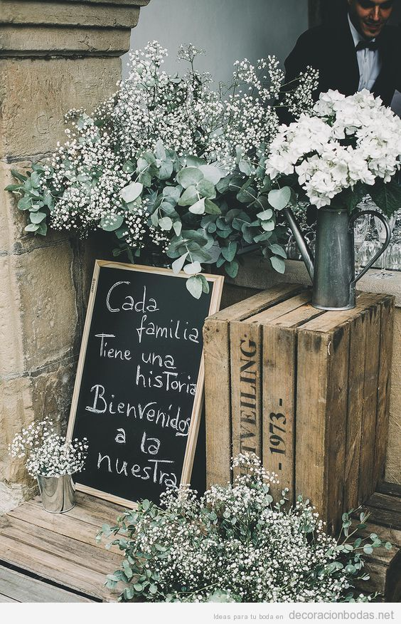 Pizarras con mensajes escritos a tiza para decorar y dar mensajes en las bodas