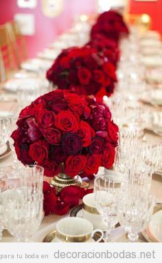 Rosas color rojo para decorar mesa boda