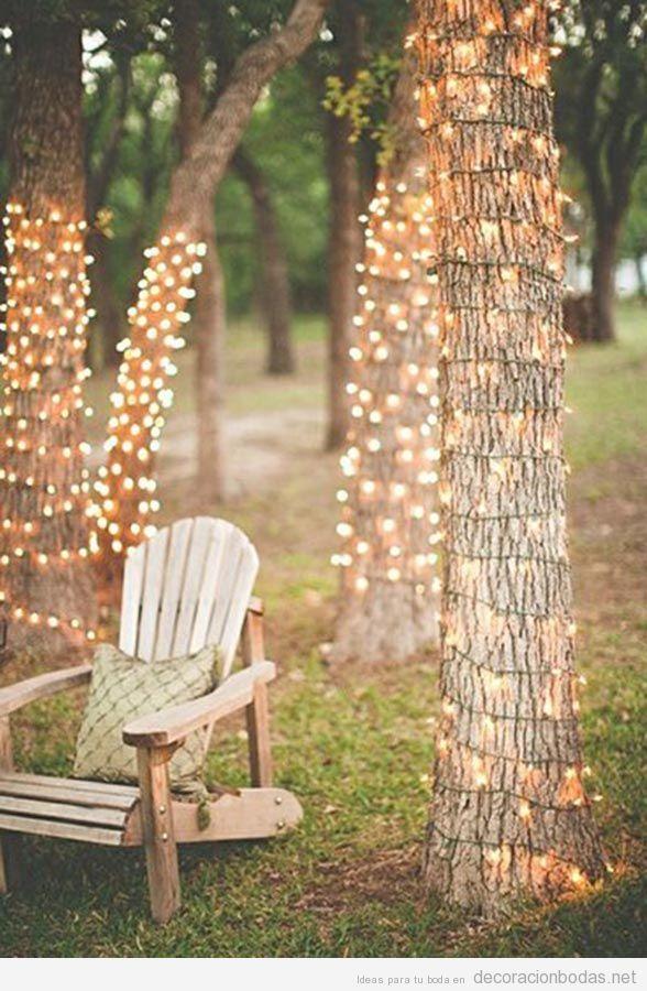 Decoración de boda exterior con luces 4