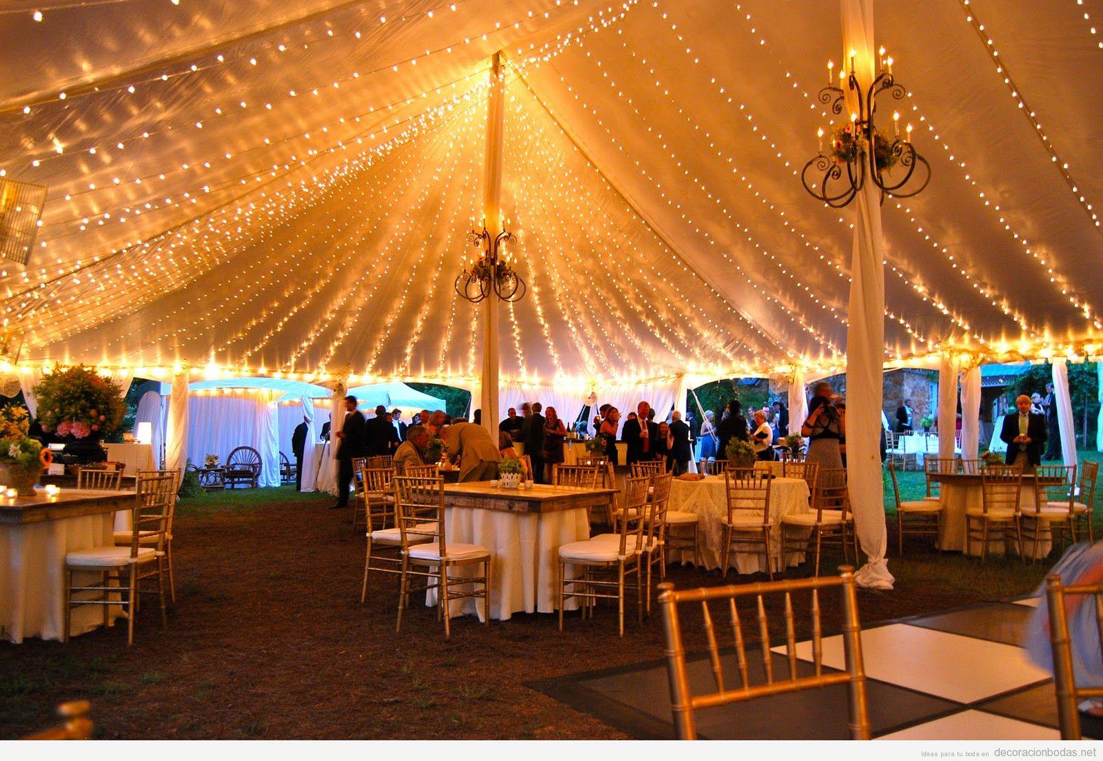 Decoración de boda carpa con luces