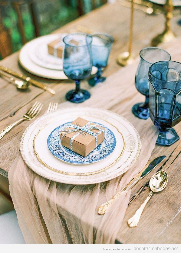 Tendencias decoración de bodas 2017 cristalería azul
