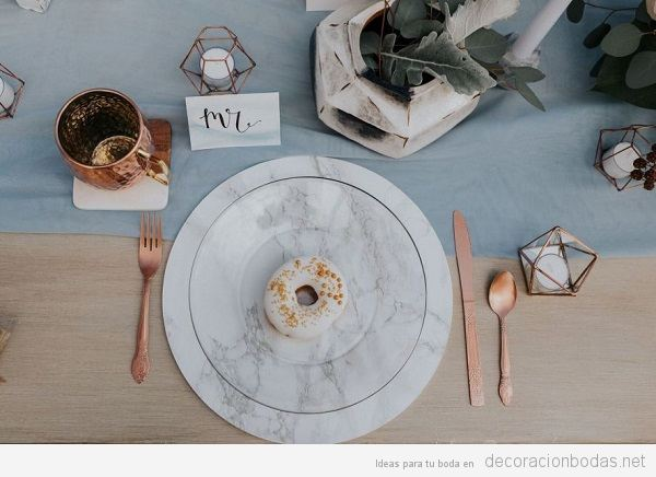 Tendencias decoración boda 2018 platos de mármol