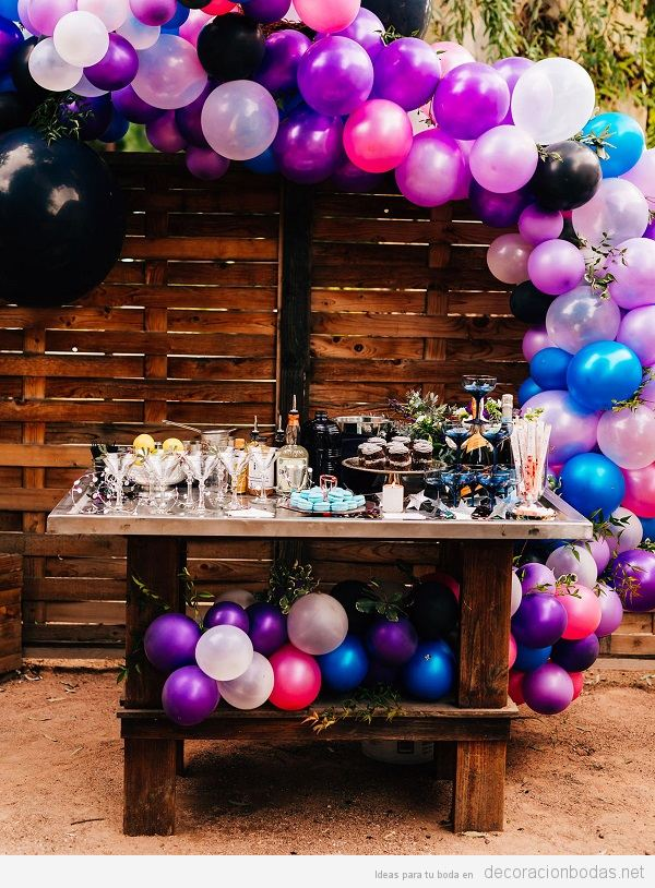 Decoración boda color pantone año 2018 ultra violet 3