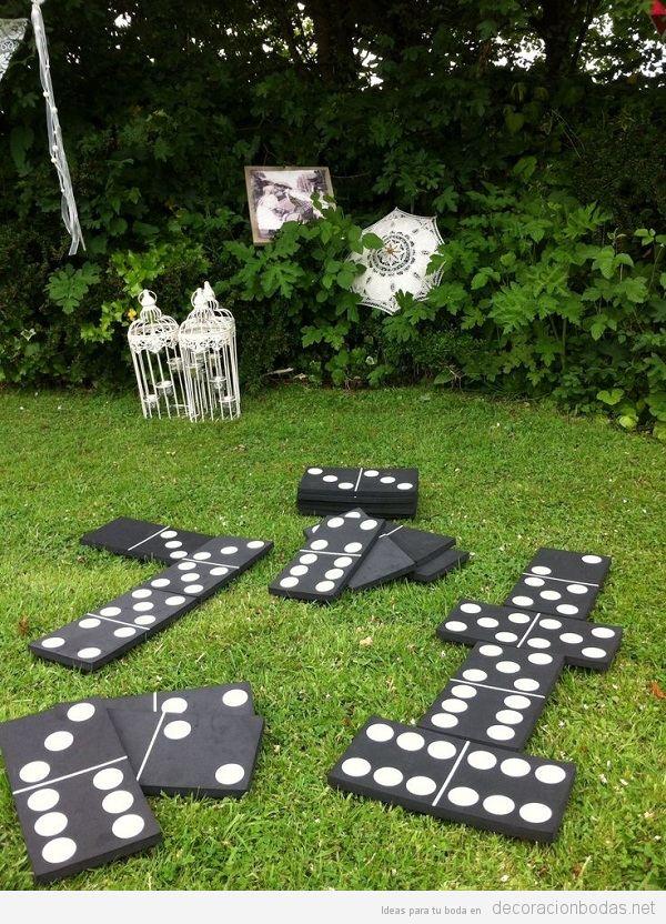 Juegos para bodas, dominó gigante