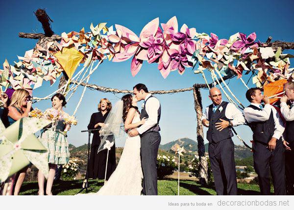 Tendencias decoración de boda verano 2018 cometas y molinillos de viento