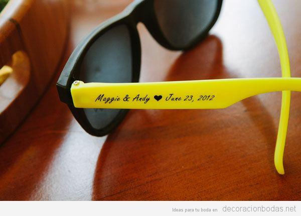 Tendencias decoración de boda verano 2018 regalos invitados gafas sol