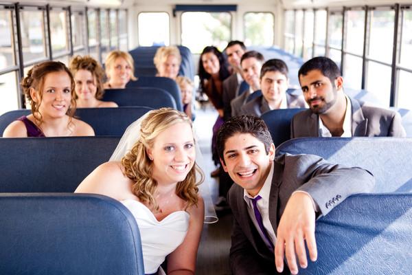 Alquilar minibus boda 2
