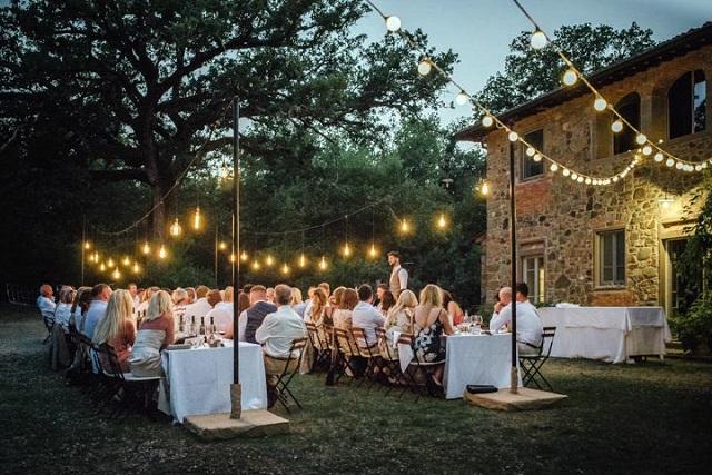 Cómo preparar un jardín para una boda en el exterior