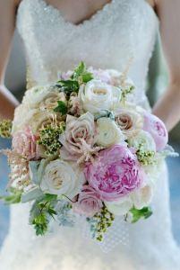 Ramos de novia peonía y rosa inglesa 3
