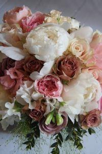 Ramos de novia peonía y rosa inglesa