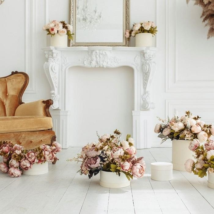 Photocall boda decorado con rosas preservadas