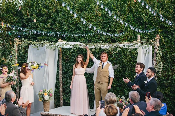 Cómo decorar una boda en un jardín en verano