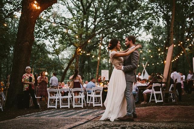 Baile y fiesta de una boda boho chic