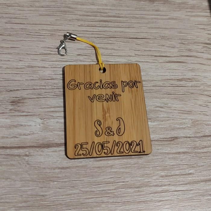 Detalle de boda, llavero de madera personalizado