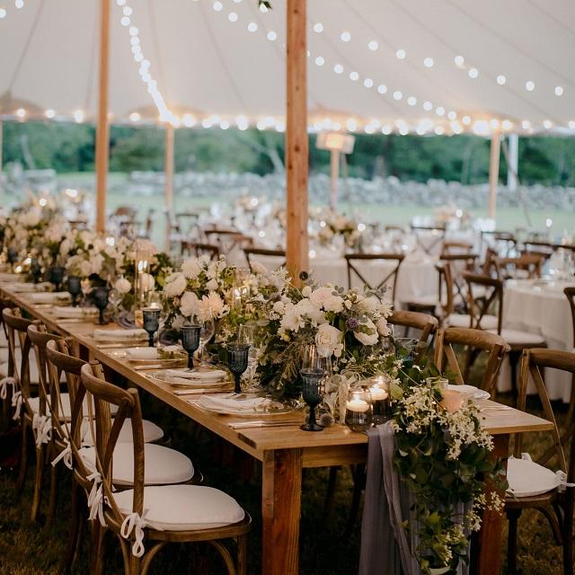 Mesa boda con camino de mesa