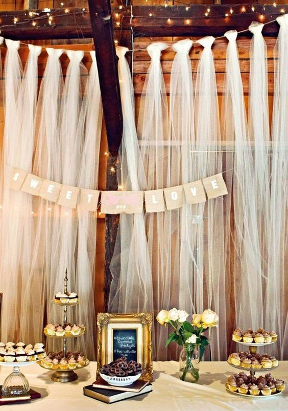 Tela tul para decorar salón de bodas