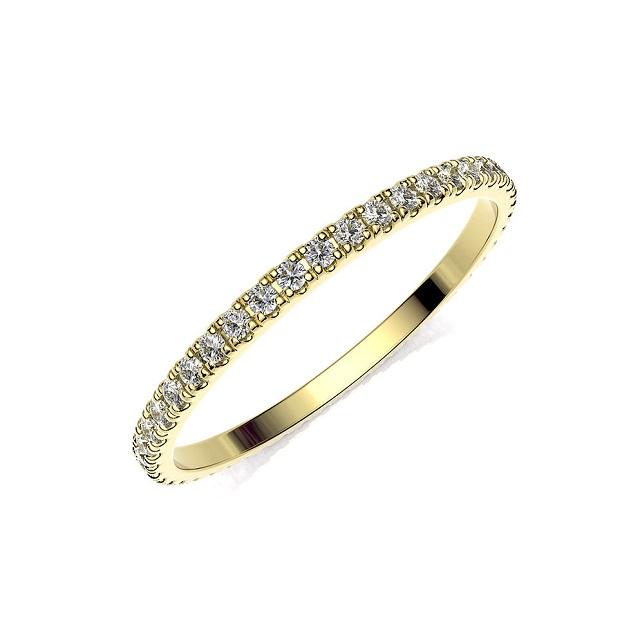 Anillo de compromiso de oro amarillo y diamantes